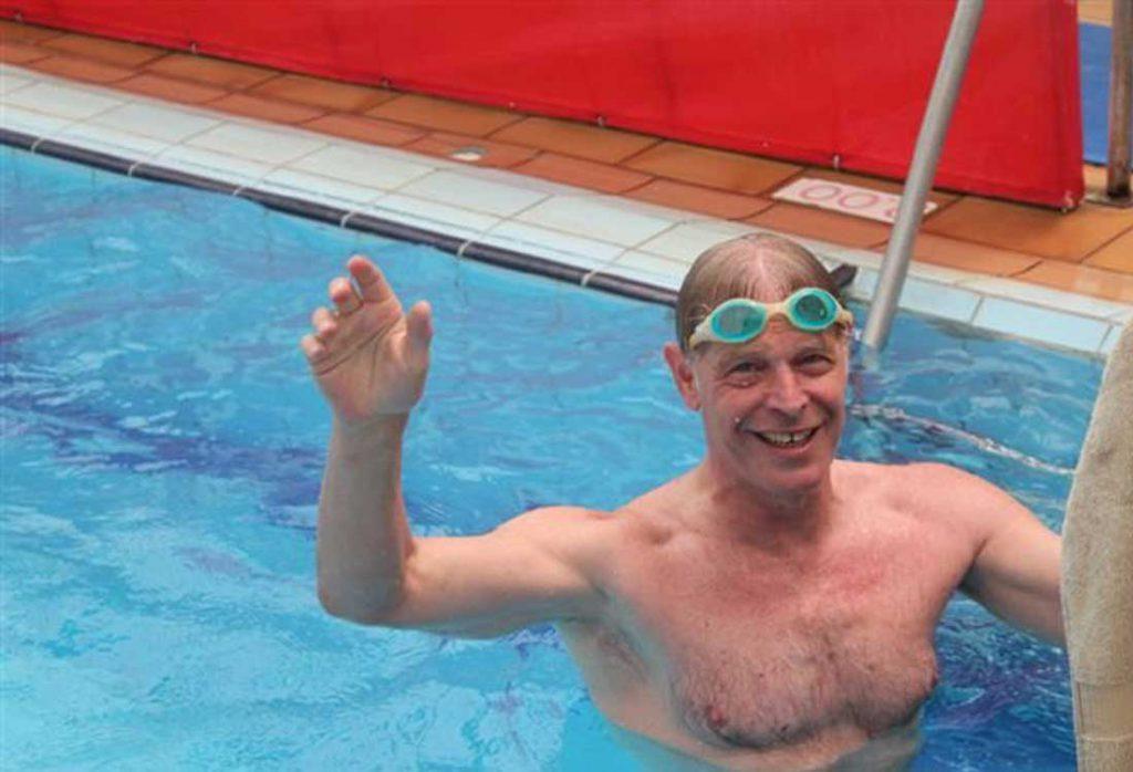שיעור שחייה למבוגרים בקבוצות בירושלים   הפועל ירושלים שחייה
