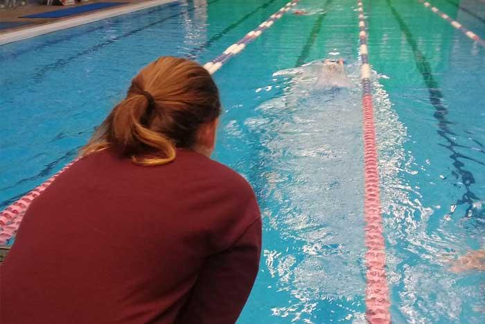לימוד שחייה ילדים שיעור פרטי בהפועל ירושלים שחייה