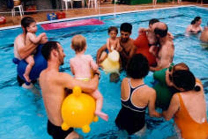 לימוד שחיית תינוקות ופעוטות | הפועל ירושלים שחייה