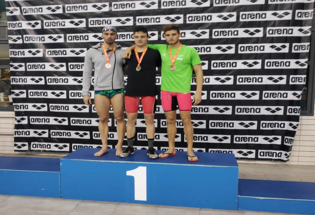 תומר פרנקל מקום ראשון ב 100 פרפר בשיא ישראלי חדש